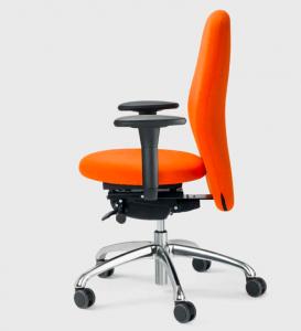 Bürodrehstuhl mit kleinerer Sitzfläche