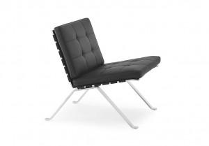 Das Schmuckstück für jeden Loungebereich. Das Modell 1600 kann mit Stoff oder Leder in dezenten bis knalligen Farben bezogen werden.