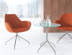 Einer der Lieblingssessel von Petra Wirth: Der 'Fan' im warmen Orange