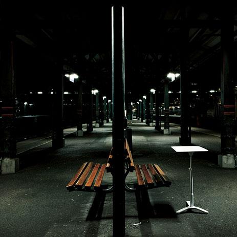 Klapptable for one - Mit dem mobilen Tisch kann man die Arbeit dahin verlagern, wo einem die Ideen kommen